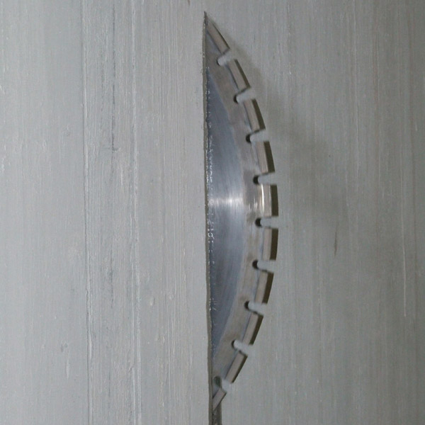 Выбор фрез для алмазной резки обусловлен типом материала