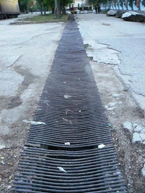 Решетка ливневой канализации должна задерживать мусор