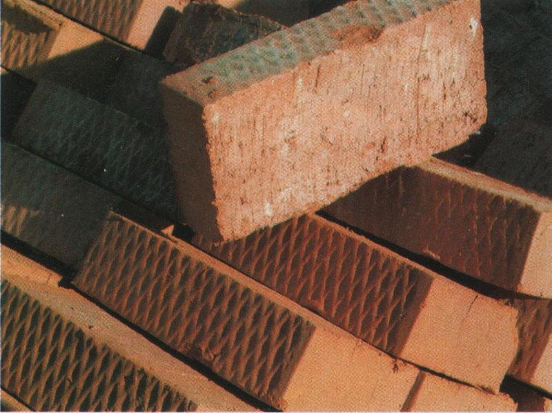 Керамический кирпич с насечкой для штукатурки