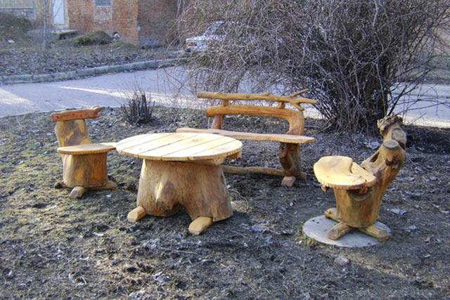 Деревянный стол и варианты деревянных стульев