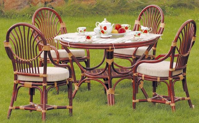 Ротанговая мебель для сада