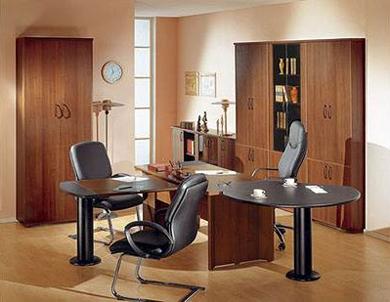 Комплект офисной мебели из ДСП