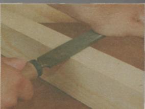 Шлифование древесины плоским напильником