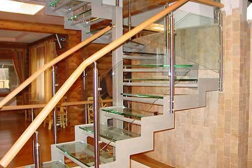 Пример стеклянной лестницы