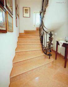 Железный поручень для винтовой лестницы