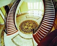 Двоскатная межэтажная лестница